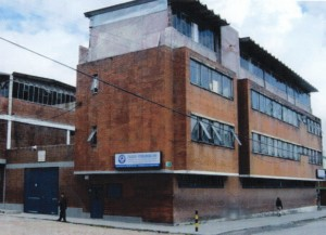 The Bogotá Interamerican Christian High School educates up to 850 students.